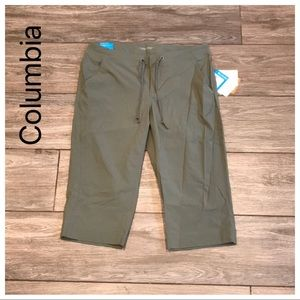 NWT Columbia Size 10 Active Fit Capris Green